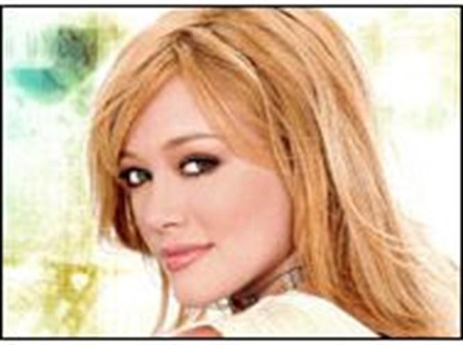 Hilary Duff 'Barbie' oldu